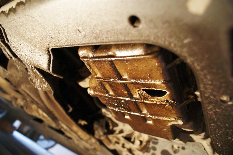 Как не повредить днище автомобиля